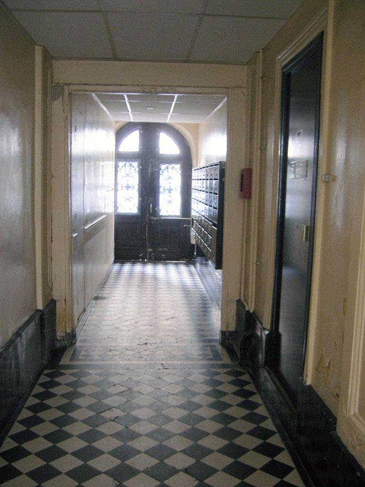 アパルトマンの廊下